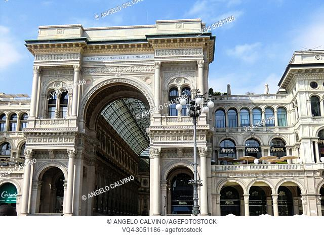 Arch at the entrance to the Galleria Vittorio Emanuele II, Cathedral Square, Piazza del Duomo, Milan, Italy, Europe