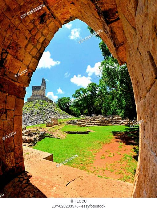 Mayan ruins of Tabna on the Puuc Route, Ruta Puuc, south of Merida near Uxmal, Yucatan, Mexico
