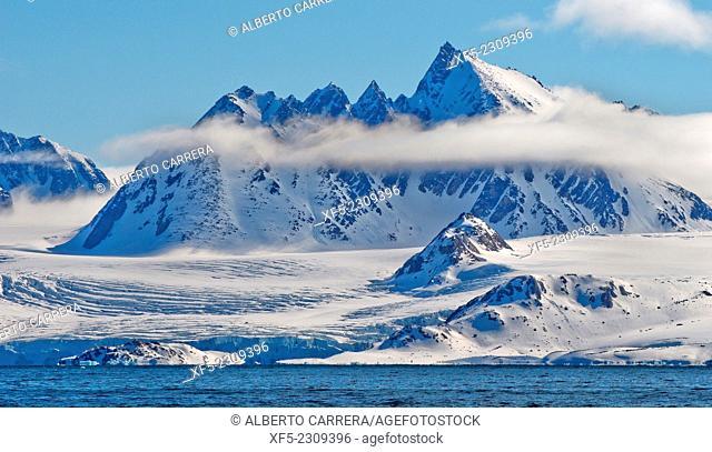 Snowcapped Mountains, Albert I Land, Arctic, Spitsbergen, Svalbard, Norway, Europe