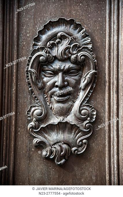 Detail of the door in the ceramic museum González Martí, VALENCIA, SPAIN