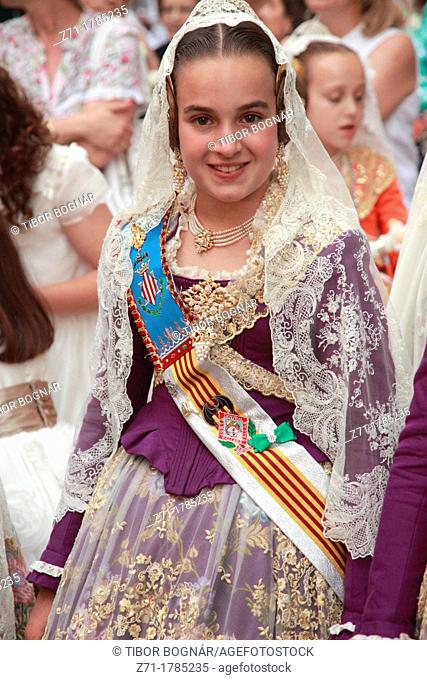 Spain, Valencia, festival, people, procession, traditional dress