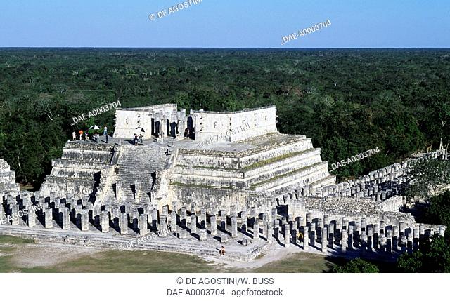 Temple of the Warriors and the Group of a Thousand Columns, Chichen Itza (Unesco World Heritage List, 1988), Yucatan, Mexico. Maya Civilisation