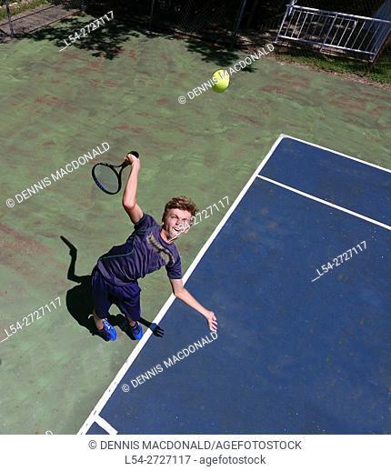 The tennis serve