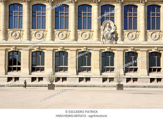 France, Paris, facade of the Great Gallery of Evolution in the Jardin des Plantes (Botanical Garden)