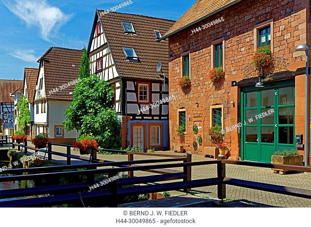River, Queich, house lines, street view, Annweiler in the Trifels Germany