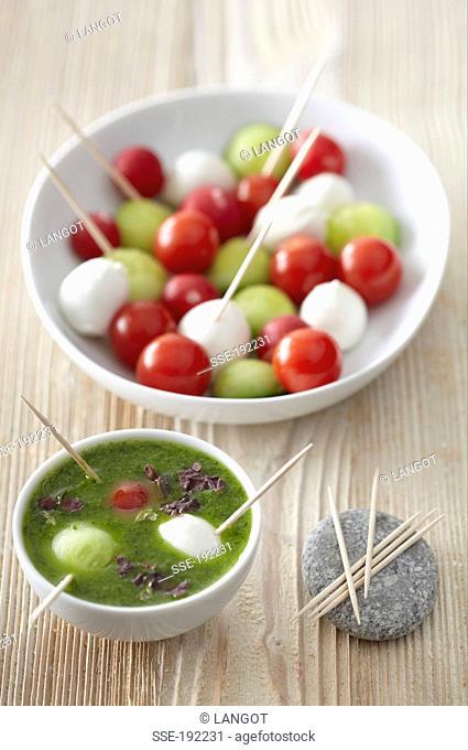 Fresh mini ball salad with basil-seaweed sauce
