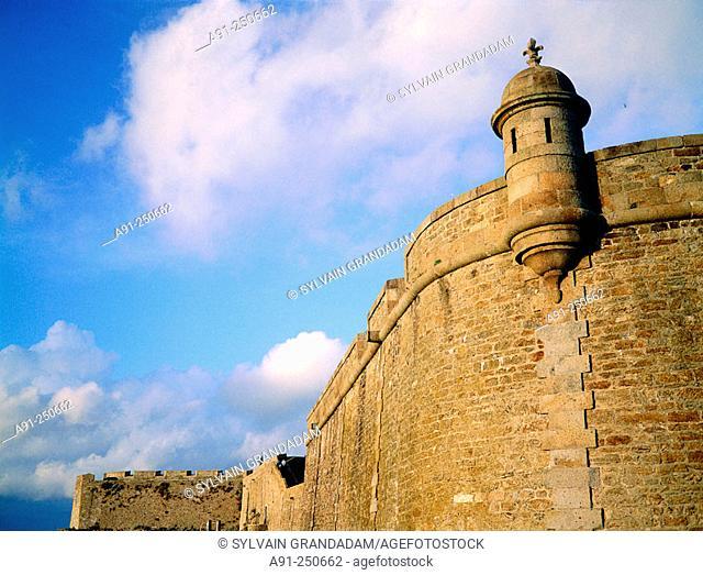 The Ramparts. Saint Malo. Ille-et-Villaine. Brittany. France
