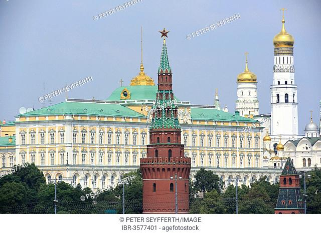 Kremlin, from the bridge at the Cathedral of Christ the Saviour