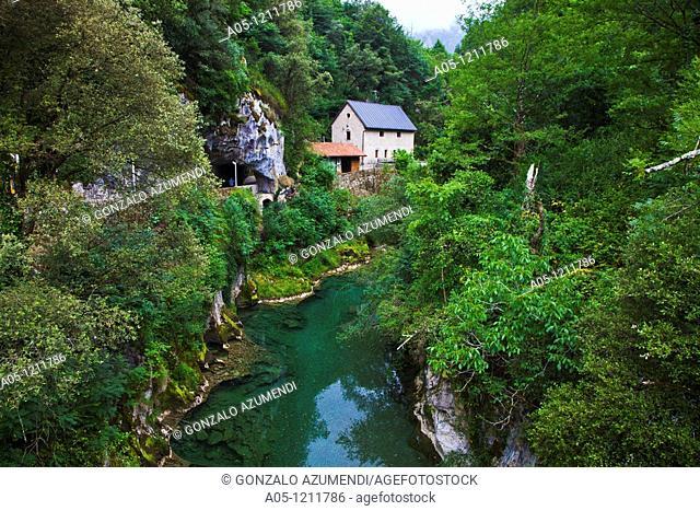 Arenas de Cabrales. Cabrales Cheese Exposition Cave and Cares River. Picos de Europa. Oriente region.  Asturias. Spain