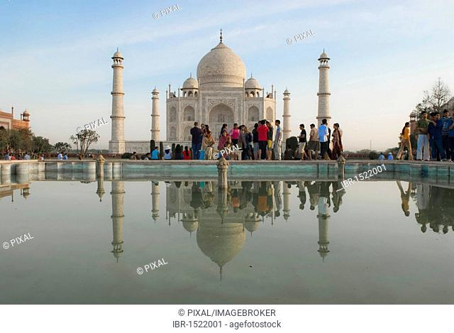 Reflection, visitors in front of the Taj Mahal, Agra, Uttar Pradesh, India, Asia