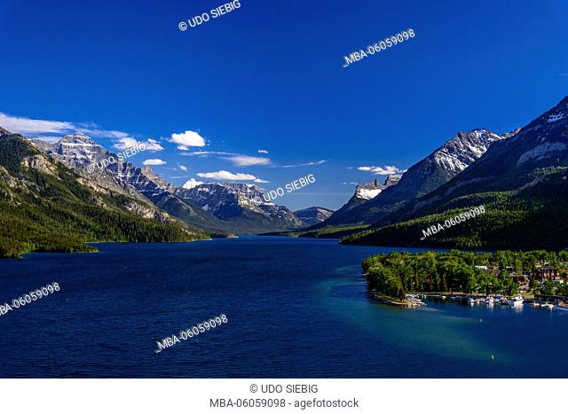 Canada, Alberta, Waterton Lakes National Park, Waterton Village, Upper Waterton Lake, View from the Prince of Wales Hotel
