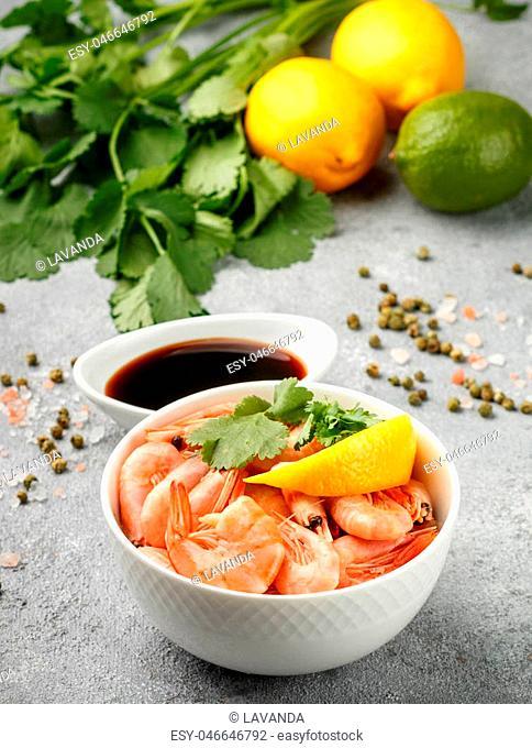 Shrimps prawns with lemon, cilantro