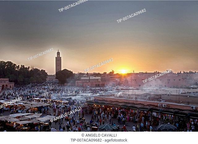 Morocco, Marrakech. Jemaa el Fna square, crowd and foodstalls
