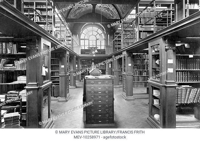 Cambridge, Newnham College Library 1914