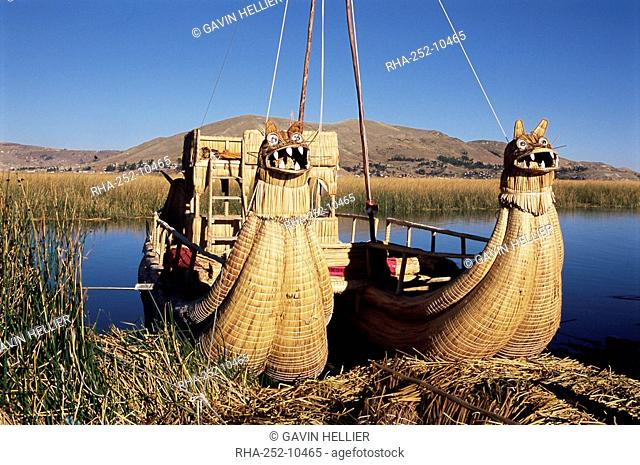Two traditional reed boats, floating islands, Islas Flotantes, Lake Titicaca, Peru, South America
