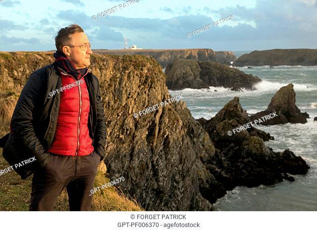 LAURENT CLEMENT BACK ON BELLE-ILE-SUR-MER, HIS BIRTHPLACE, AIGUILLES DE PORT COTON SEA STACKS, BANGOR, MORBIHAN (56), FRANCE