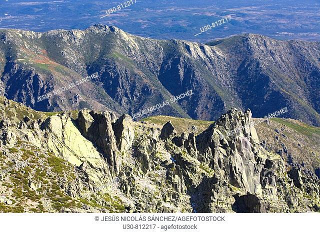 Summits of Sierra de Gredos from Morezón and Navasomera  Sierra de Gredos Regional Park  Navacepeda de Tormes  Avila  Castilla y Leon  Spain
