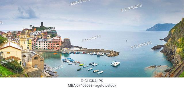 Vernazza, 5 Terre, Liguria, Italy. Panoramic vivew of Vernazza