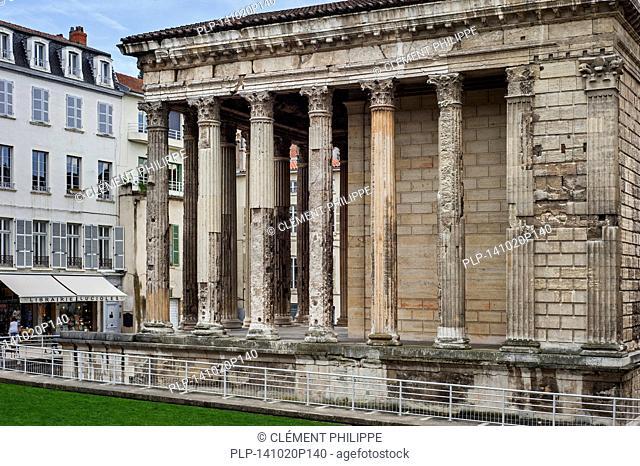 Roman temple of Augustus and Livia / Temple d'Auguste et de Livie in the city Vienne, Rhône-Alpes, Isère, France