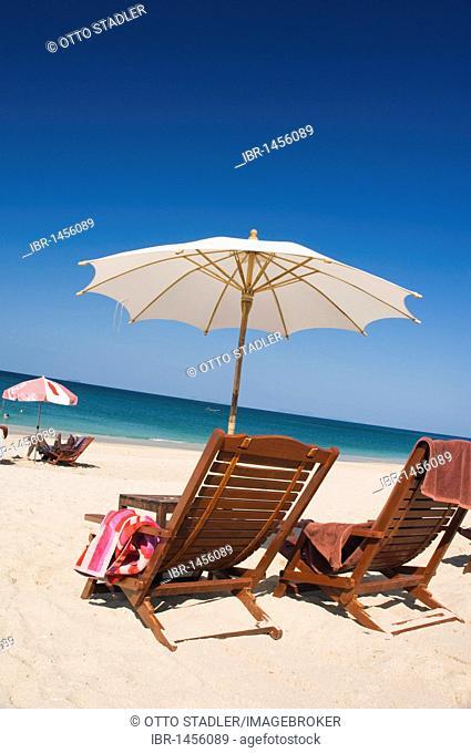 Deck chair and parasol, Long Beach or Phra Ae Beach, Ko Lanta or Koh Lanta island, Krabi, Thailand, Asia
