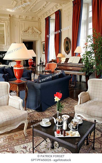 THE GRAND LOUNGE, CHATEAU DE CURZAY, RELAIS ET CHATEAUX HOTEL, VIENNE 86, FRANCE