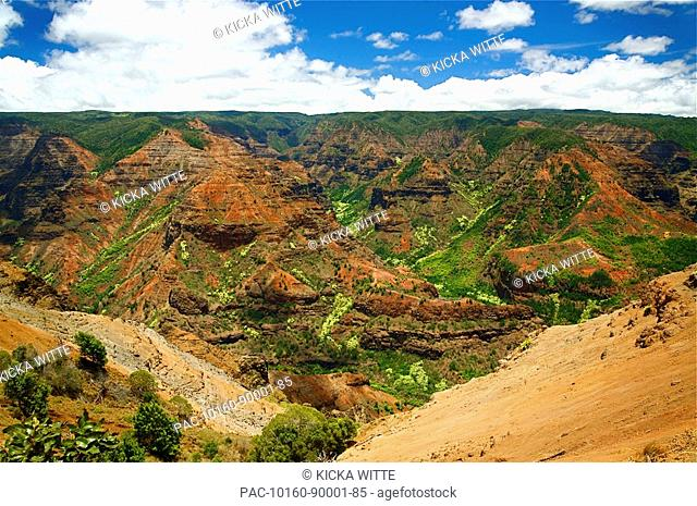 Hawaii, Kauai, Waimea Canyon, aerial view of the Grand Canyon of the Pacific