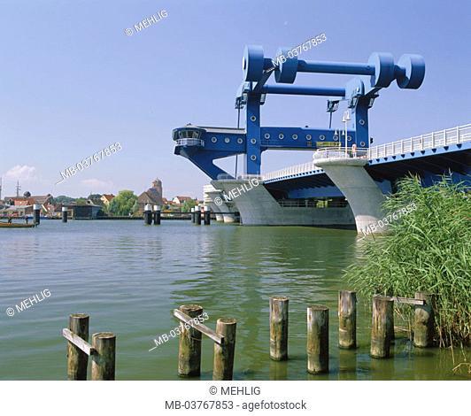 Germany, Mecklenburg-Western Pomerania,  Island Usedom, Wolgast, Peenebrücke  Europe, Central Europe, Ostvorpommern, sight, river Peene, bridge, 'blue miracle'