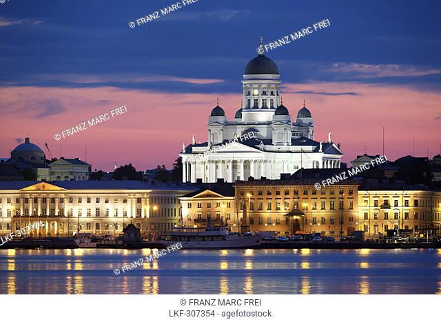 Port of Helsinki with view of Helsinki Cathedral, Helsingin Tuomiokirko and Norra and Pohjois Esplanade, Helsinki, Finland