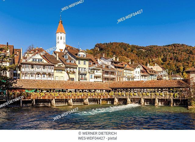Switzerland, Canton of Bern, Thun, river Aare, old town with parish church and sluice bridge