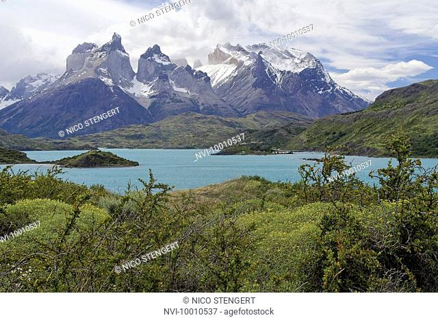 Lake Pehoe and Cuernos del Paine, Torres del Paine National Park, Chile, South America