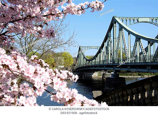 D; Germany; Brandenburg; Potsdam; Glienicker Brücke; Glienicke Bridge