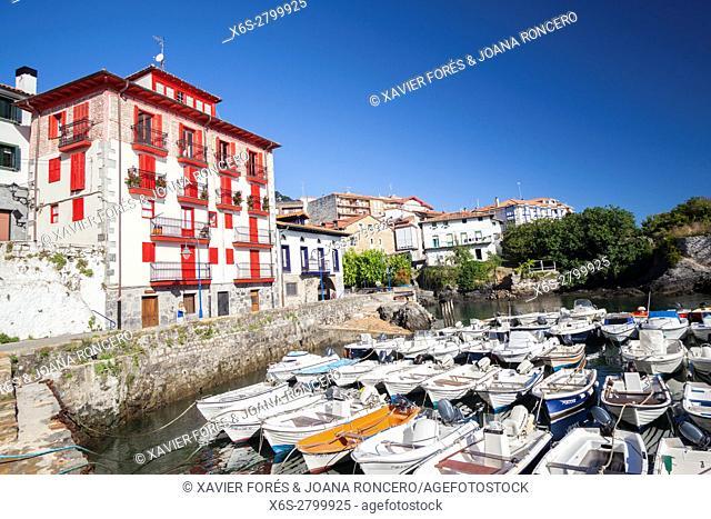 Mundaka village, Vizcaya province, The Basque Country, Spain
