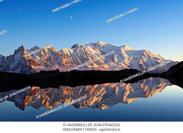 France, Haute Savoie, Chamonix Mont Blanc, Mont Blanc (4810m) at sunrise