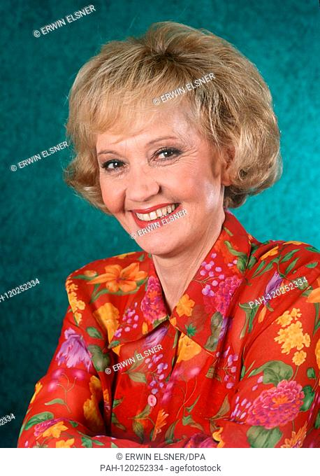 Swiss actress Lilo Pulver, shown in November 1993, was born on 11 October 1929 in Bern. | usage worldwide. - /Germany