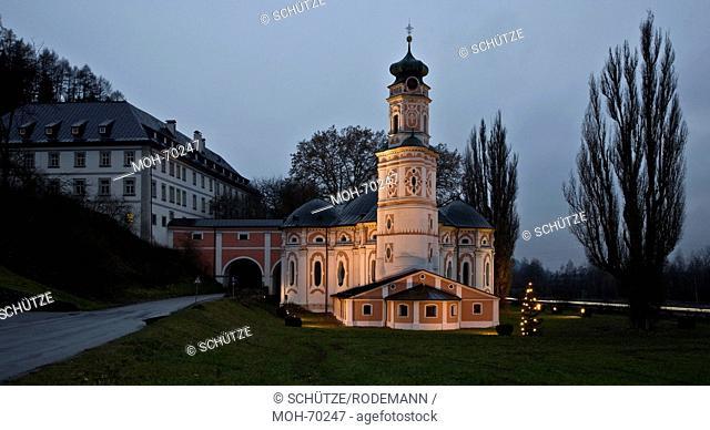 Österr Volders b Innsbruck Karlskirche v O. Klosterkirche des Servitenordens. Abendstimmung