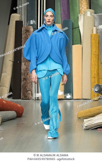 Richard Malone runway show at London Fashion Week February 2018 - Autumn / Winter 2018. London, UK 16/02/2018. | usage worldwide