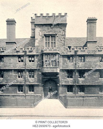 'The Gateway, Wadham College, Oxford', 1903. Artist: Unknown