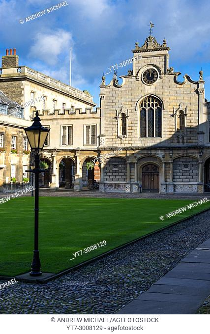 Old Court at Peterhouse College, the oldest college of Cambridge University. The building is the college chapel. Cambridgeshire, England, UK
