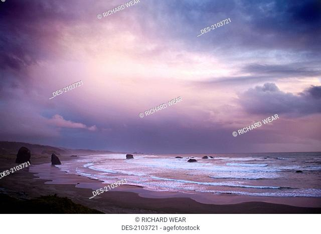 Sunset along the pacific ocean, gold coast oregon united states of america