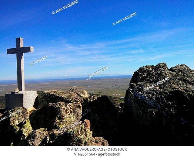 Stone cross, Sierra de Fuentes, Cáceres province, Extremadura, Spain