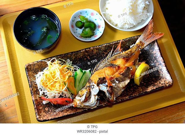 fish; rice; soup set