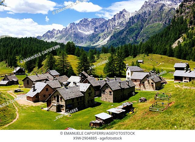 Mountain village huts, Alpe Devero, Italy