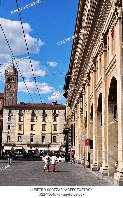 Bologna (Italy): piazza Maggiore and via Rizzoli