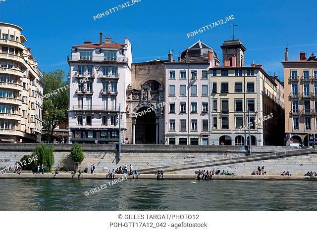 France, Lyon, Quays of the Saône River, Quai Saint-Vincent, quais Photo Gilles Targat