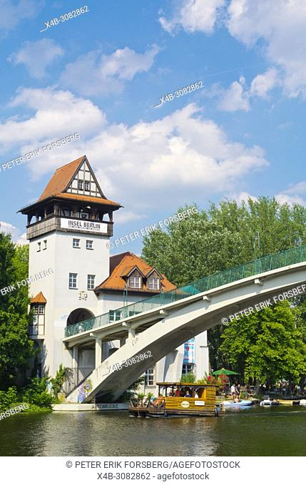 Bridge leading to Insel der Jugend, Treptower Park, Alt-Treptow, Berlin, Germany