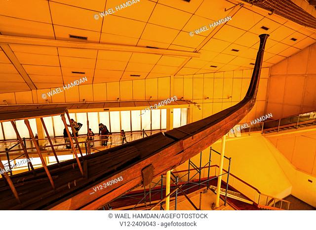 Khufu ship or solar barge, pyramids of Giza, Cairo, Egypt