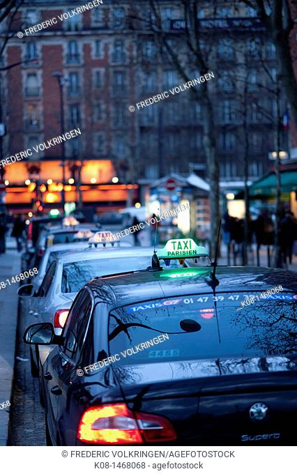 Taxis, Paris, France
