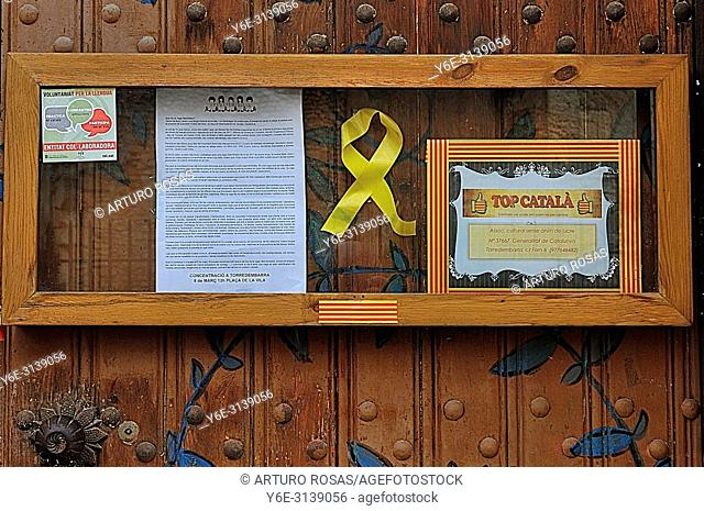 Yellow ribbon of the independencee movement in Catalonia, Spain