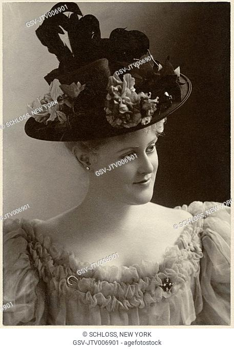 Portrait of Woman in Fashionable Hat, Cabinet Card, circa 1900