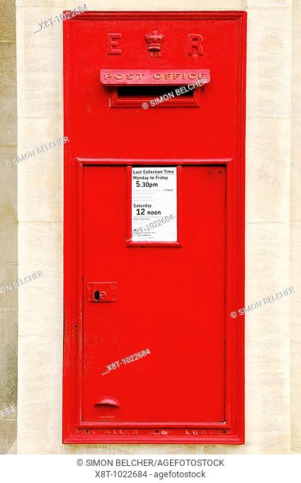 Post Box in a Wall, Oxford, England, UK